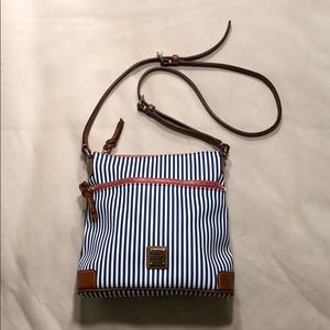 Dooney & Bourke crossbody purse